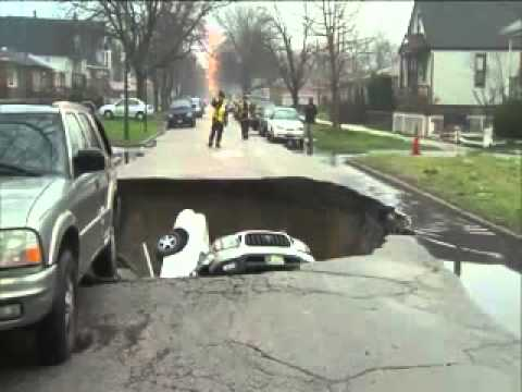 Chicago flood sinkhole