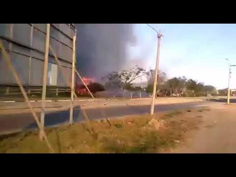 vegetação da lagoa das baterias em Vitória da conquista (BA) pega fogo