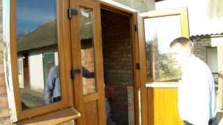 Окна и двери с ламинацией под дерево, цвет золотой дуб(Всеми любимый цвет окон с ламинацией под дерево-золотой дуб. Рассказываю об особенностях фурнитуры на вход..., 2013-11-25T10:02:04.000Z)