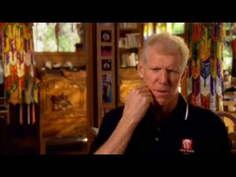 Coach John Wooden makes Bill Walton get a haircut
