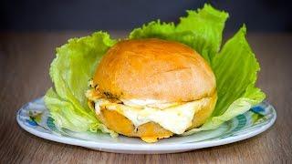 Бургер с яйцом и салями. Готовим простые рецепты от wowfood.club