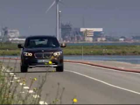 BMW X1 SUV - Driving Shots