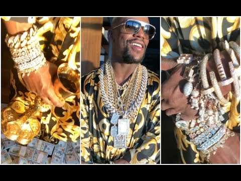 Floyd Mayweather Shows How Rich He Really Wears $50M Worth Jewelry