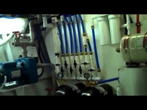 47' Simmons Aluminum Custom Pilothouse Cruiser 2013 for Sale  (Interior View)