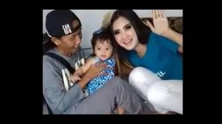 Gambar cover Video dan foto terbaru keluarga kecil  Nela karisma dan suaminya