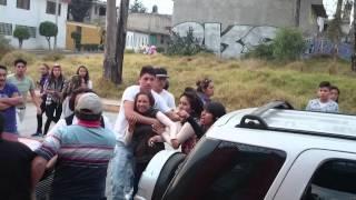 AUXILIO vecinos violentos en Lomas del Bosque parte 2