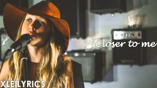 Zella Day - Compass (Lyrics Video) HD