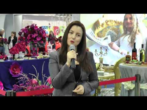 """Report TV - Çelet ekspozita """"çifti i lumtur"""" në Expo City Albania"""