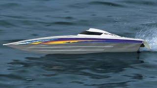 Lancha Elétrica Aquacraft Minimono Brushless acelerando no lago - ECBROCK RC