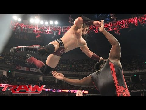 Neville vs. Mark Henry: Raw – 23. November 2015