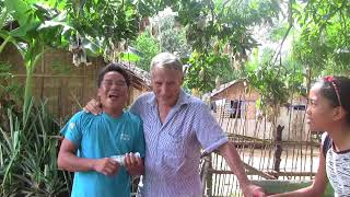 MEETING THE PARENTS OF HIS BRIDE HELPING 1000 PESOS EXPAT PHILIPPINES