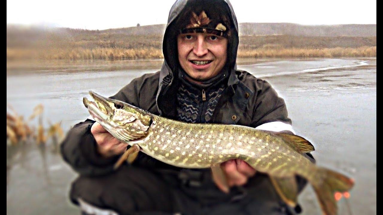 НАШЁЛ СУПЕР ЛУНКУ! КУЧА ПОКЛЕВОК! Зимняя рыбалка. Щука на жерлицы. Первый лед 2019-2020