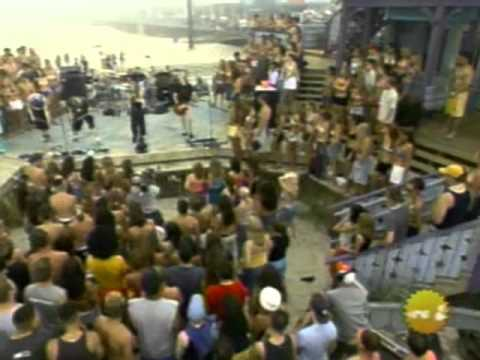 Avril Lavigne - Complicated - Live @ TRL [06.00.2002]