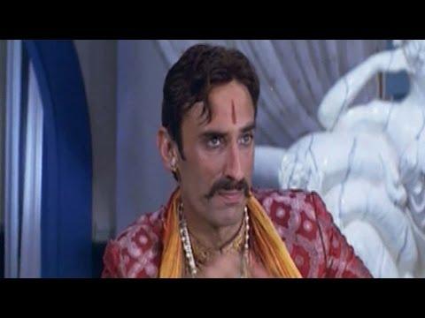 Prabhas Pournami Movie - Rahul Dev Introduction Scene -  Trisha