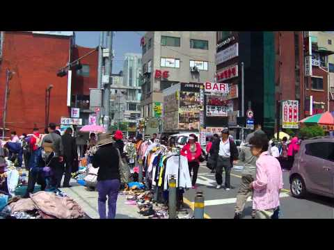 Seoul's Sadang Outdoor Flea Market in the Spring