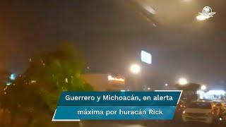 Protección Civil federal compartió un video de los efectos del huracán Rick en el municipio de Lázaro Cárdenas, donde se presenta lluvia intensa y ráfagas fuertes de viento