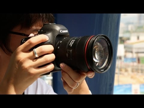 Canon EF 24-70mm f/2.8 L II Hands-on Review