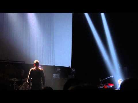 MORRISSEY - ASLEEP - LIVE PARIS @ LE GRAND REX 27/10/2014