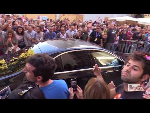 Lucca, i Rolling Stones arrivano in città: fan in delirio