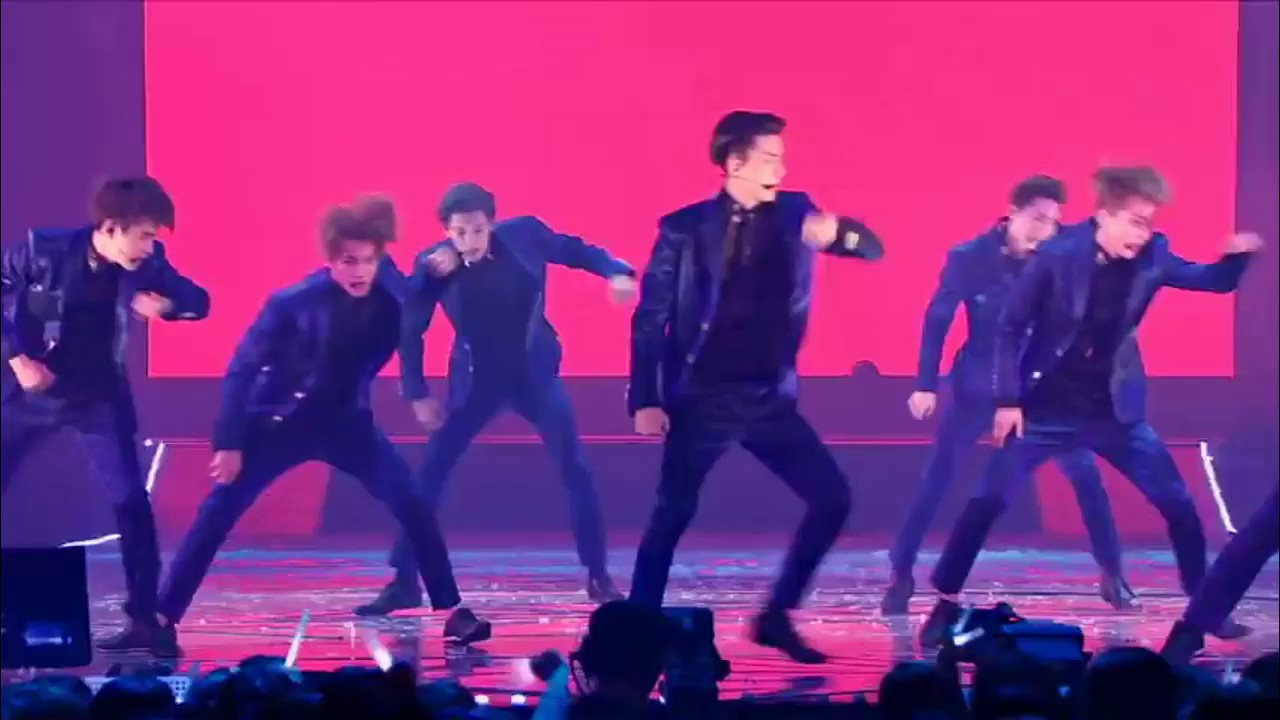EXO – Wolf Live