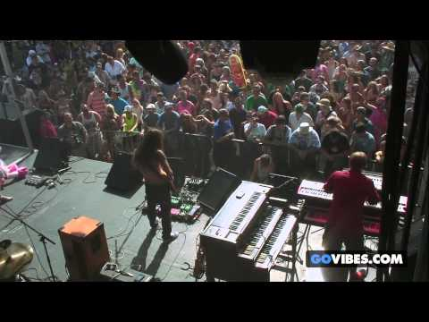 "Twiddle performs ""Jamflowman"" at Gathering of the Vibes Music Festival 2013"