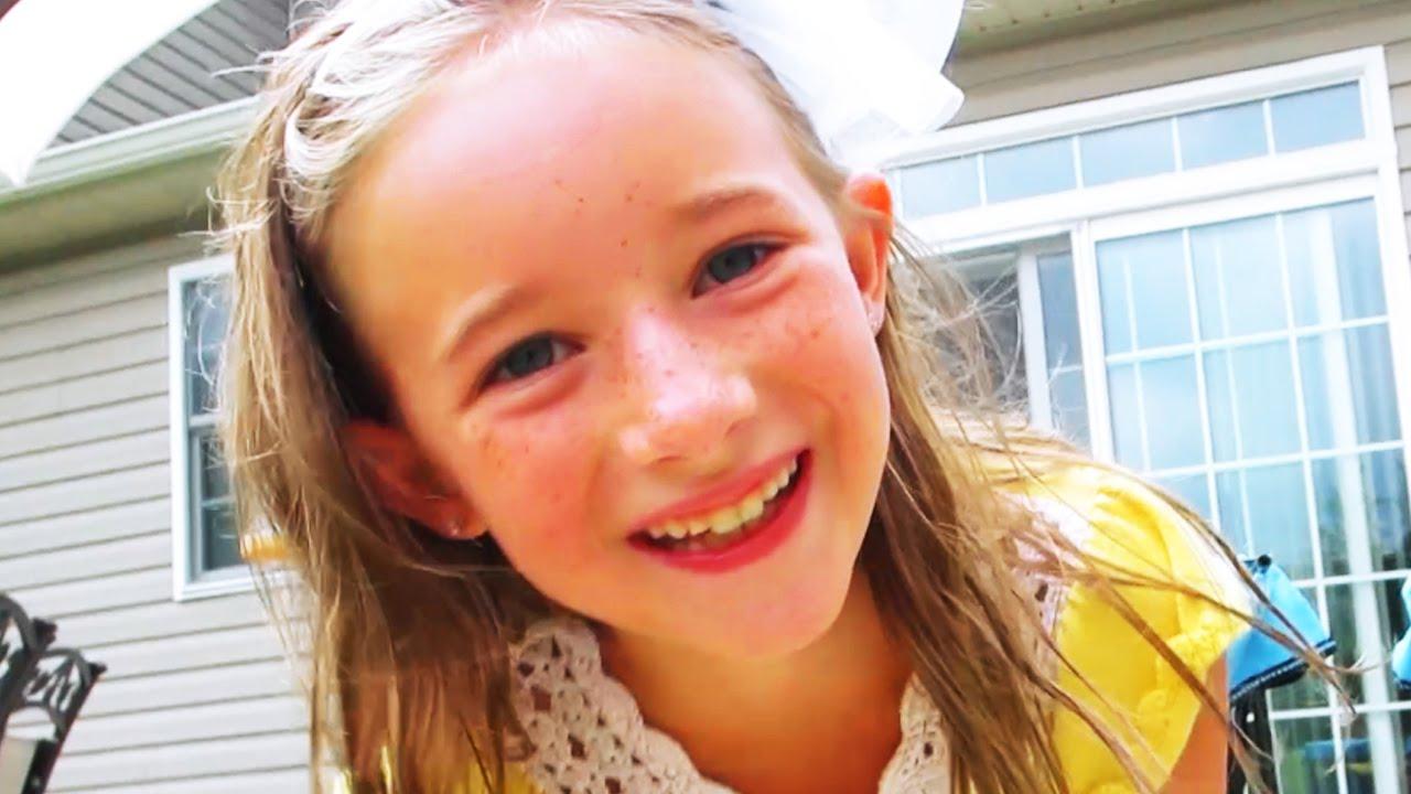 9 Year Old Girl Hits Homerun Youtube