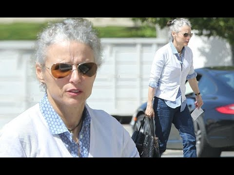 Julia Louis-Dreyfus looks healthy as she rocks her natural grey hair color for Beverly Hills trip