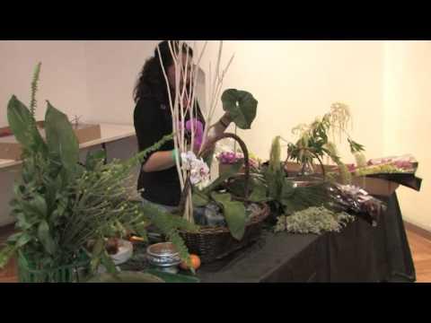 Consuelo Martinez \u0026quot;Taller demostrativo de arreglo floral con Orquideas\u0026quot;