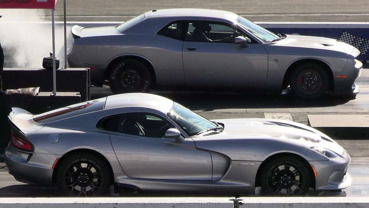 Challenger Hellcat vs Dodge Viper - drag racing