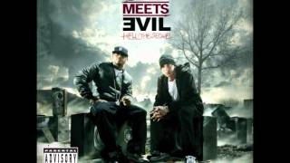 Bad Meets Evil - Above The Law lyrics