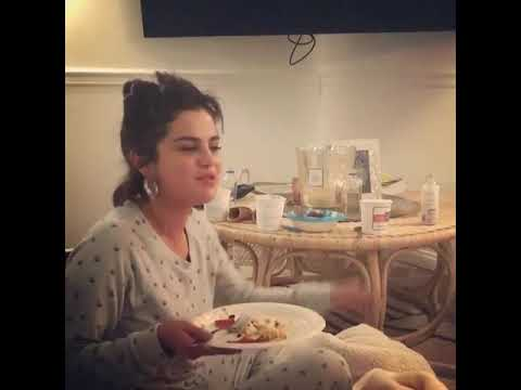 Selena Gomez- I Feel Pretty watching movie send by amyschumer ।। SelenaGomezAsiaVEVO