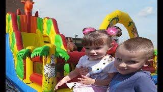видео Дитячі батути, атракціони