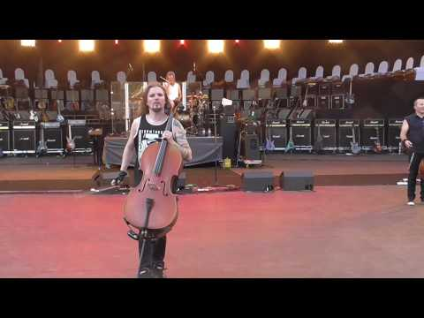 Apocalyptica plays the national anthem of the Russian Federation