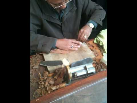 Cuban Cigar Roller at Segar and Snuff Covent Garden, London