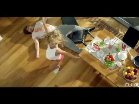 """ВИА Гра feat. Вахтанг - У меня появился другой (Live """"Премия RU.TV 2015"""")из YouTube · Длительность: 3 мин31 с  · Просмотры: более 1.121.000 · отправлено: 24-5-2015 · кем отправлено: ВИА Гра"""
