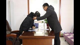 女总裁让捡破烂小伙去公司上班,多年后公司破产,小伙出现报恩