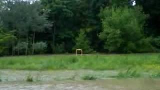 Powódź w Głuchowie zalane pola uprawne.MP4