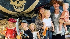 James Van Der Beek Family: Kids, Wife, Siblings, Parents