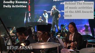 Aktivitas Zendhy Kusuma bersama Orkes Kebatinan Denny Chasmala di AMI Awards 2019