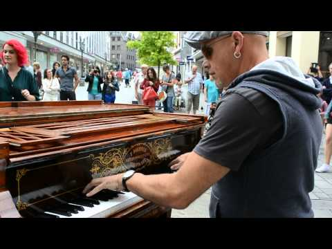 All of me (John Legend) by traveling piano man . Düsseldorf ,Germany 27/06/2015