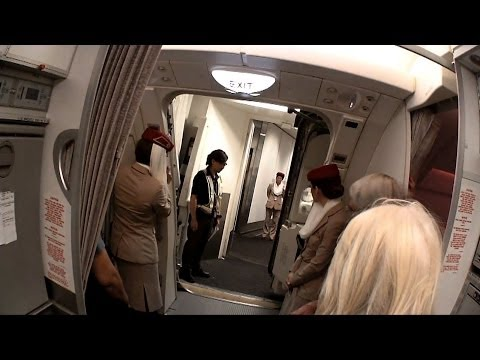 EMIRATES A380 EK385 FIRST CLASS MACAO HONG KONG DUBAI 301013