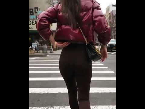 Emily Ratajkowski walking down the street in LA thumbnail