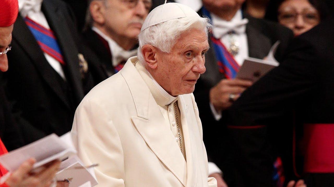 Đức Giáo Hoàng danh dự Bênêđíctô thứ 16 bất ngờ rời Vatican