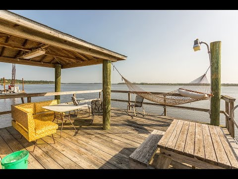 {Deepwater dock & Waterfront Views from EVERY ROOM} 212 Beachside Dr Brunswick GA - coastal GA