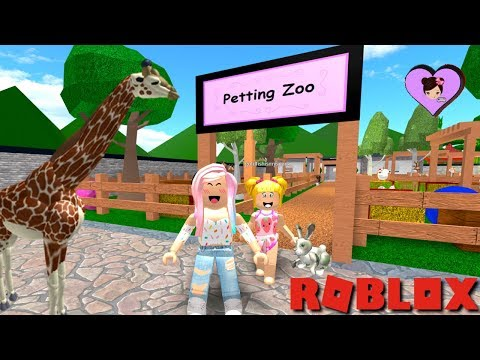 Taking My Baby Goldie to The Zoo In Roblox - Family Adventures