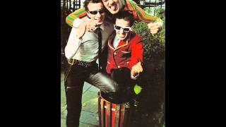 Watch Toy Dolls HO video