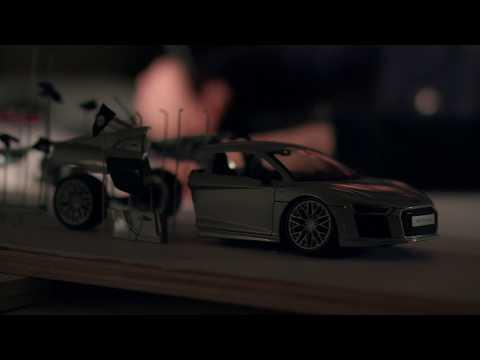 L'artiste Fabian Oefner a explosé le V10 de l'Audi R8