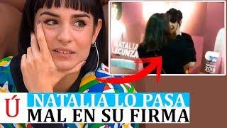 Un fan se pasa de ralla e intenta agrediŕ a Natalia en su firma de discos de Operación Triunfo