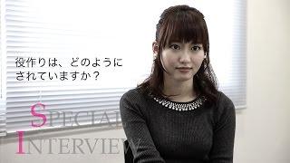 舞台『PREMIUM 3D STAGE 残響のテロル』で三島リサを演じる桃瀬美咲にス...