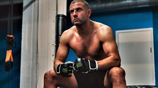 Gambar cover Gokhan Saki is preparing his next UFC fight